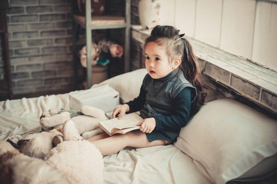 baby-bed-bedroom-860536